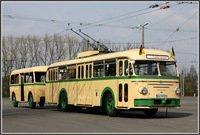 Oberleitungsbus-Anhänger strahlt in neuem Glanz